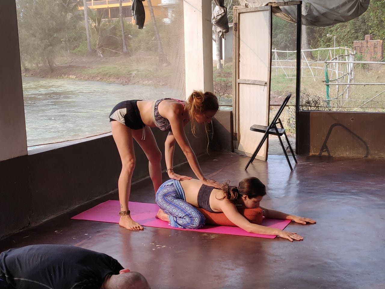 Yoga for the thyroid - Yoga Teacher Training for Beginners